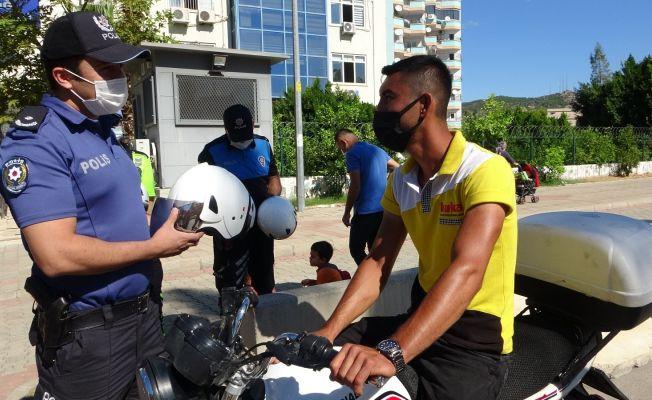 Motosiklet sürücülerine ceza yerine kask