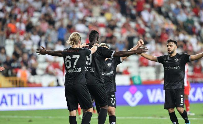 """""""Super Mario"""" Balotelli gollerine devam ediyor"""