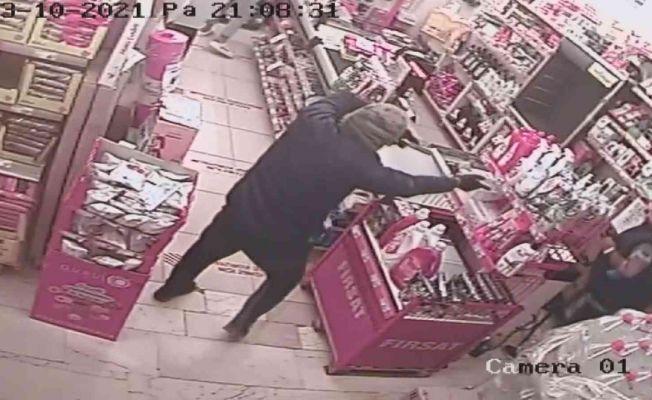 Market soyguncusu yürüyüşünden yakalandı