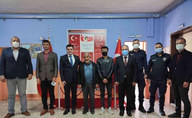 """Şehit İsmail Moğol İlk-Ortaokuluna """"Şehitlik Köşesi"""""""